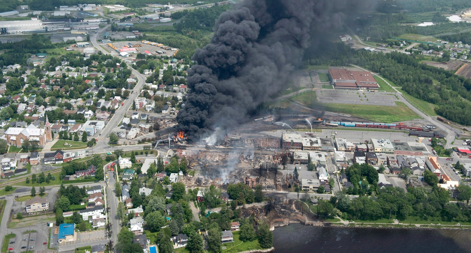 Lac-Megantic panorama.jpg